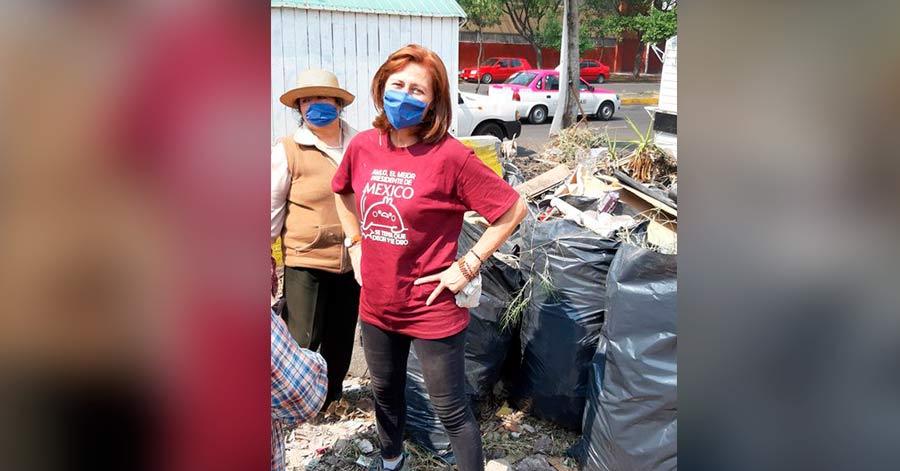 Tatiana Clouthier lanza reto para recoger las basuras de las calles; ella empieza dando el ejemplo.